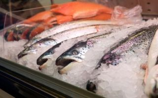 Как подготовить рыбу для копчения: выбираем, разделываем, солим, маринуем