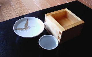 Как пить саке: что это такое и с чем употреблять