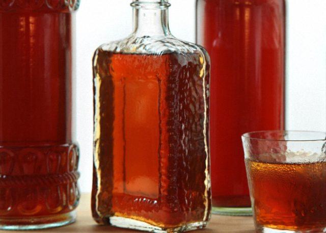 Как сделать домашнюю спиртовую настойку