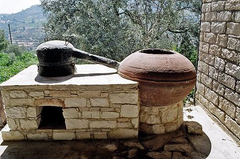 древний самогонный аппарат