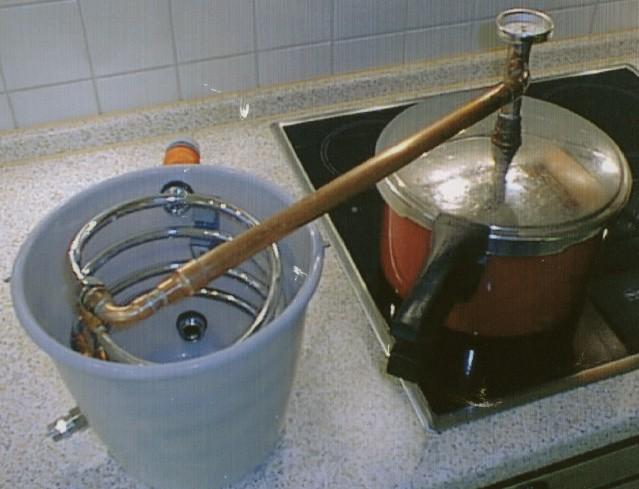 Как в домашних условиях делать самогон