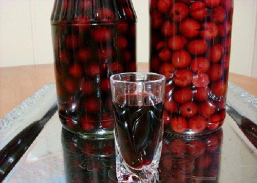 Наливка из вишни на водке в домашних условиях