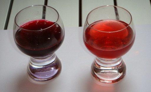 темный и светлый виноградный сок