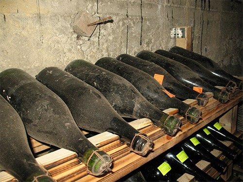 Как правильно хранить вино в бутылках в домашних условиях