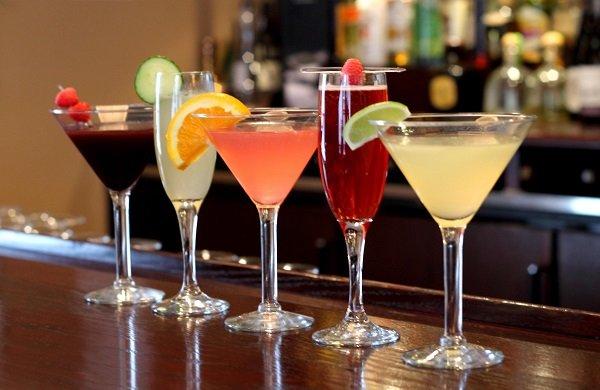 коктейли с шампанским в домашних условиях простые рецепты
