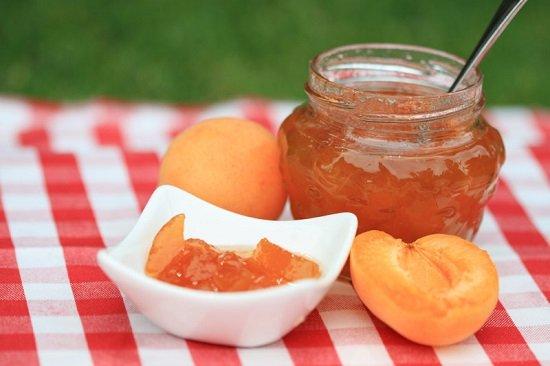 Как сделать домашний ликер из абрикосов