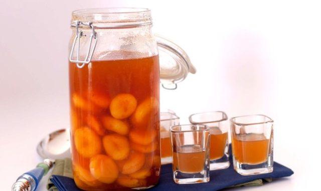 abrikosovaya-vodka