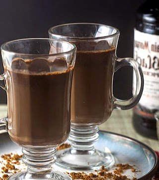 hot chokolad with rum