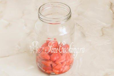 убираем ягоды в холодильник