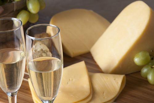 Какие блюда подходят к игристому вину Асти