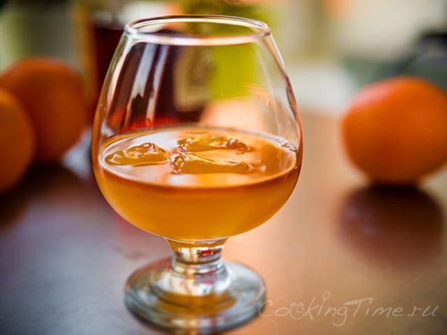 коньяк и апельсиновый сок