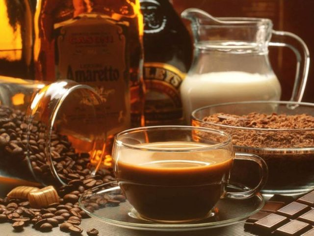 кофейный ликер и шоколад