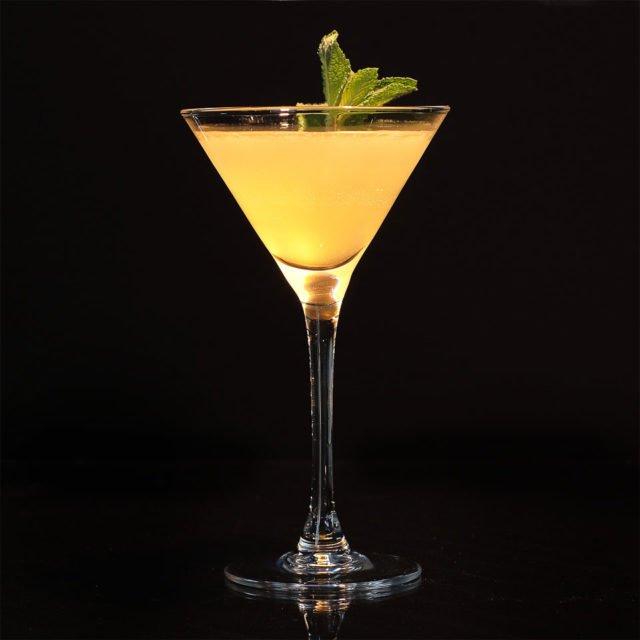 Коктейль Абрикосовое шампанское