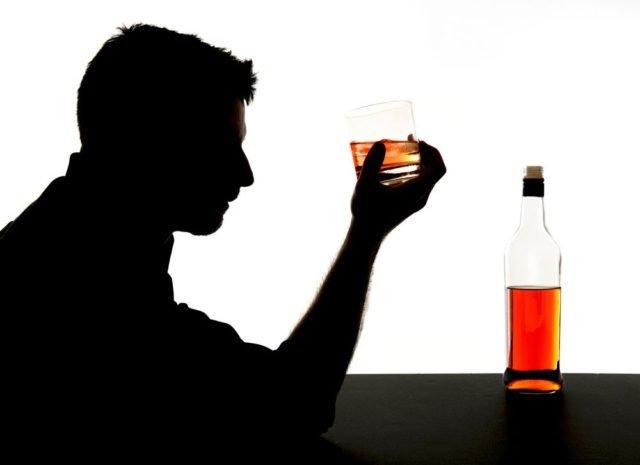 кто пьет виски