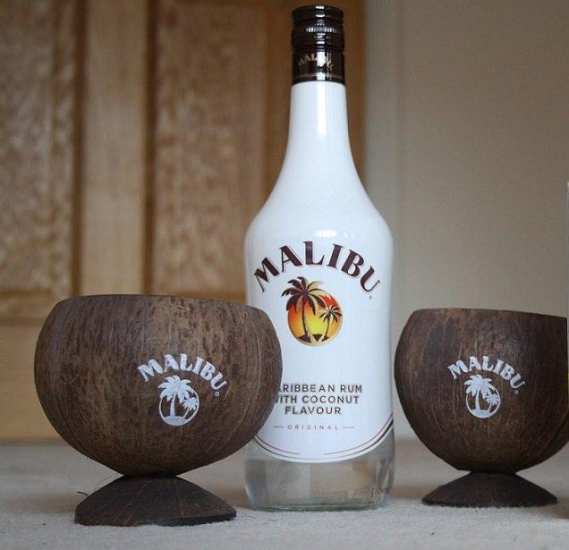 как пить ликер Малибу