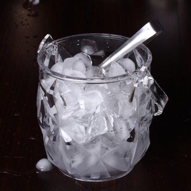 готовый лед в ведерке