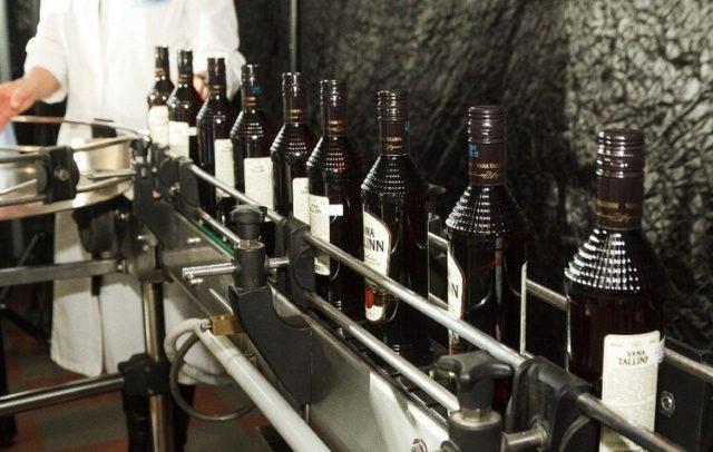 производство напитка Vana Tallinn