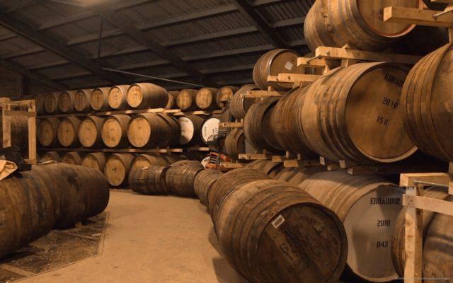 бочки с шотландским виски