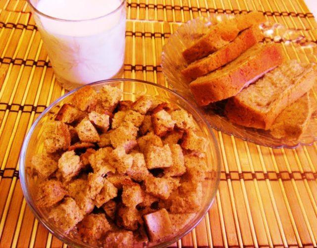 Из черствого хлеба и кетчупом