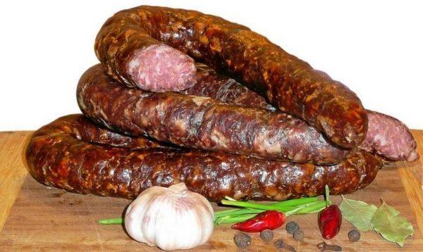 Колбаса горячего и холодного копчения в домашних условиях
