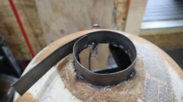 Коптильня из газового баллона, изготавливаем удобное устройство
