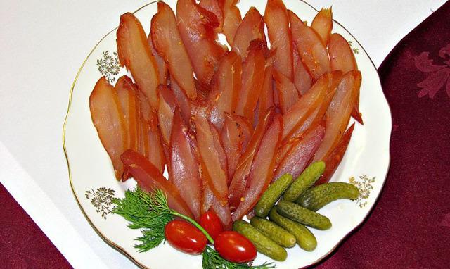 Как коптить сома, простые рецепты для всех любителей рыбы