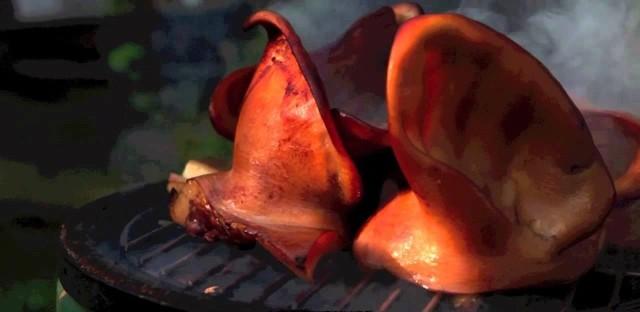 Как закоптить свиные уши в домашних условиях, опыт мастеров