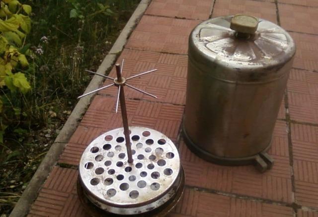 Коптильня из бидона, изготавливаем устройство своими руками